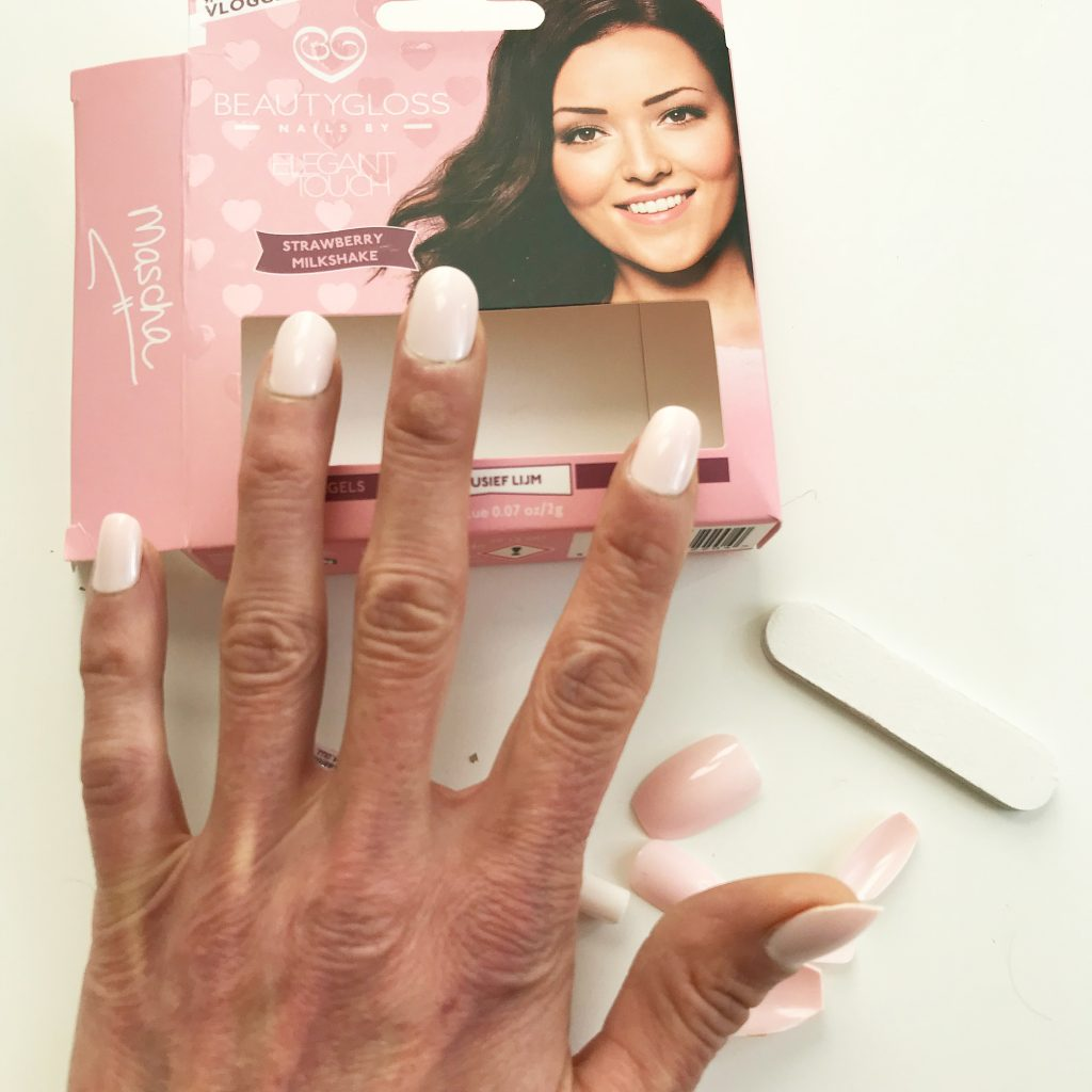 beautygloss nails elegant touch