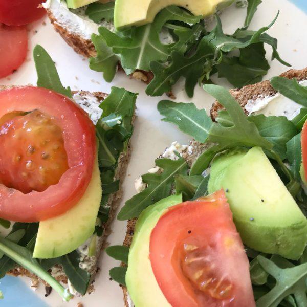 avocado en zuivelspread