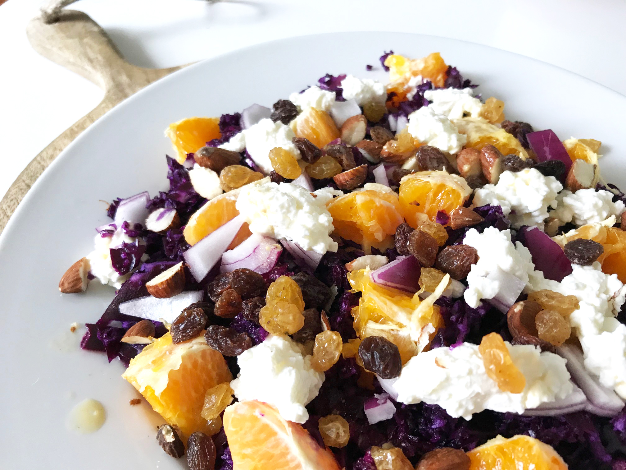 Recept: Salade met rode kool, sinaasappel & cottage cheese
